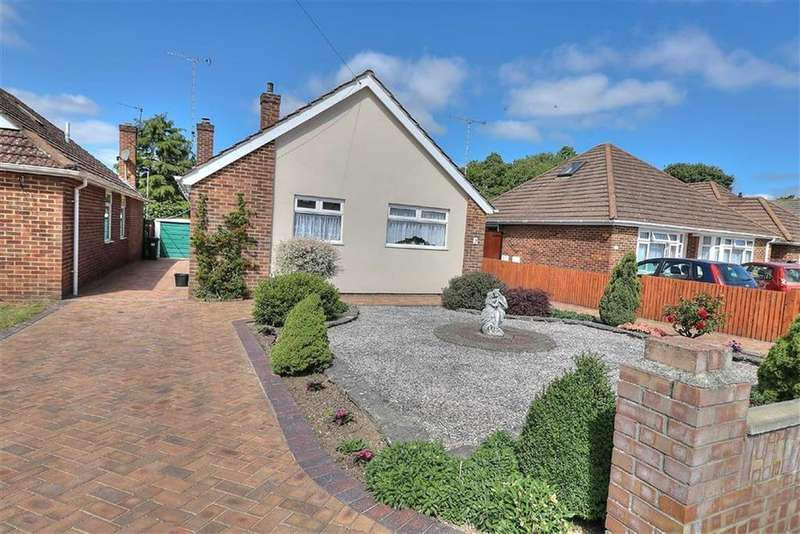 3 Bedrooms Detached Bungalow for sale in Monks Brook Close, Eastleigh, Hampshire