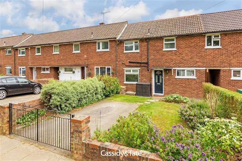 3 Bedrooms Terraced House for sale in High Oaks, St Albans, Hertfordshire