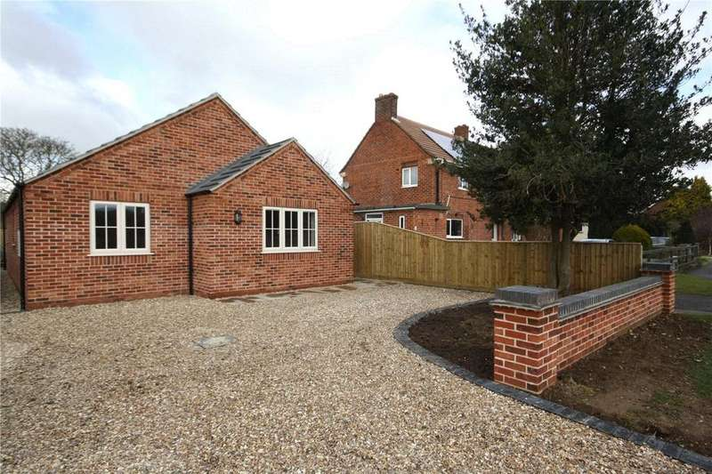 3 Bedrooms Detached Bungalow for sale in Roxholme Road, Leasingham, Sleaford, Lincolnshire, NG34