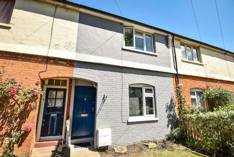 2 Bedrooms House for sale in Queens Road, London, N3