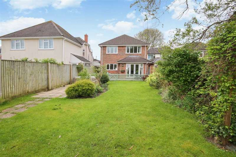 4 Bedrooms Detached House for sale in Magna Road, Poole