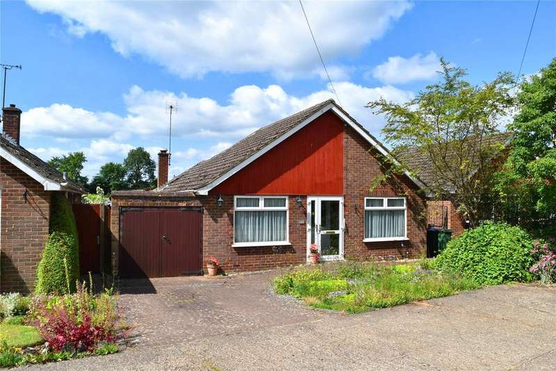 3 Bedrooms Detached Bungalow for sale in High Street North, Stewkley