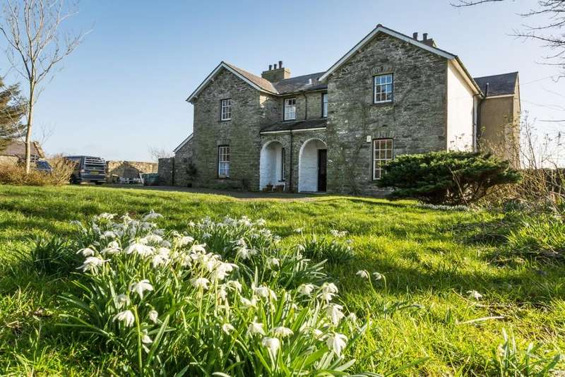 5 Bedrooms Detached House for sale in Llanfaethlu, Isle of Anglesey