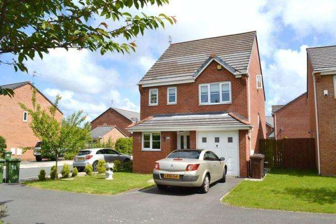 4 Bedrooms Detached House for sale in Lunt Avenue, Netherton, Liverpool
