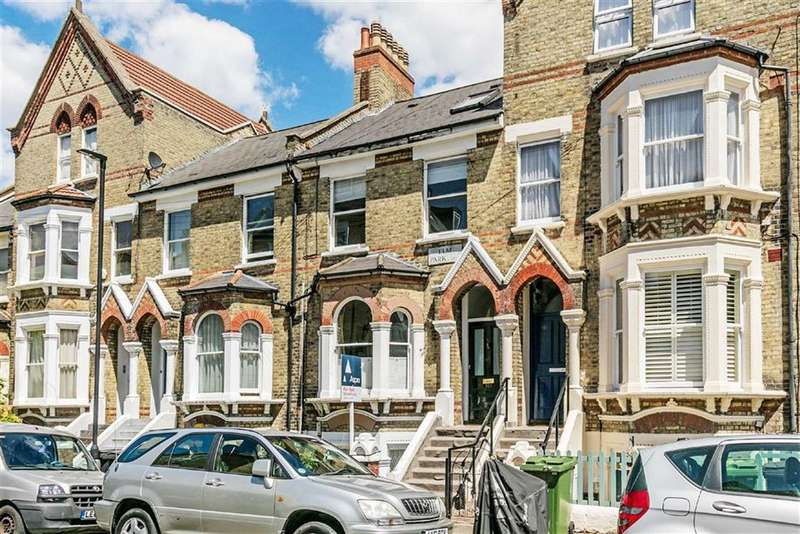 2 Bedrooms Flat for sale in Elm Park, Brixton, London, SW2