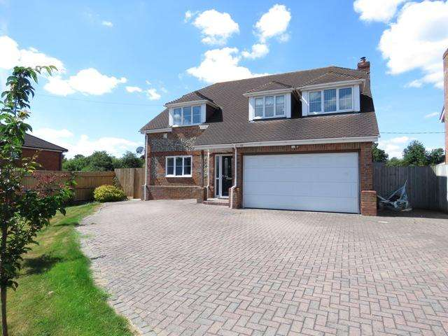 5 Bedrooms Detached House for sale in PICKET PIECE, ANDOVER SP11