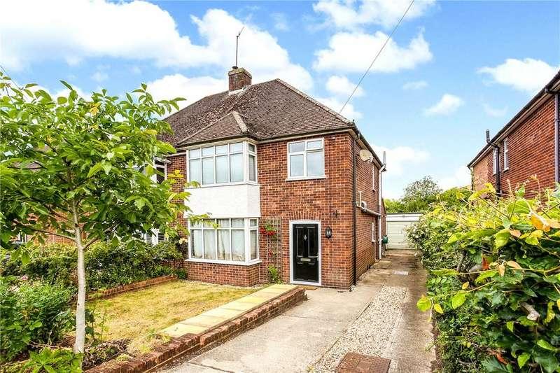 3 Bedrooms Semi Detached House for sale in Montgomery Road, Newbury, Berkshire, RG14