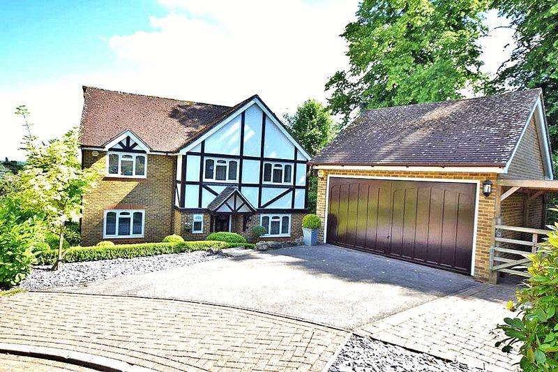 5 Bedrooms Detached House for sale in Blakeney Close, Bearsted