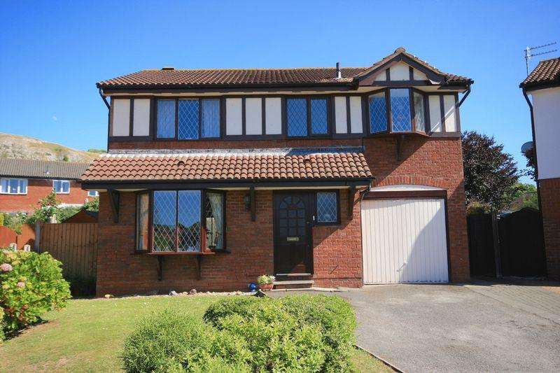 4 Bedrooms Detached House for sale in Queens Gardens, Llandudno