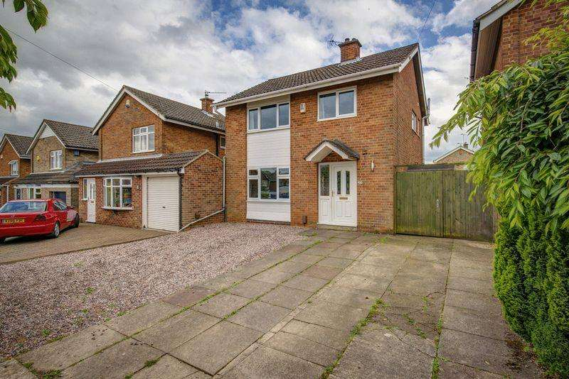 3 Bedrooms Detached House for sale in Dovedale Rise, Allestree