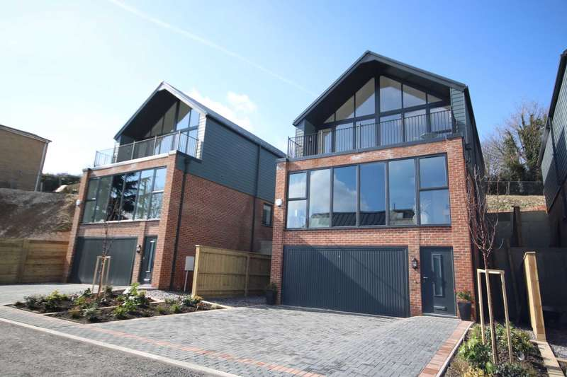 4 Bedrooms Town House for sale in DT11 The Outlook, Spetisbury