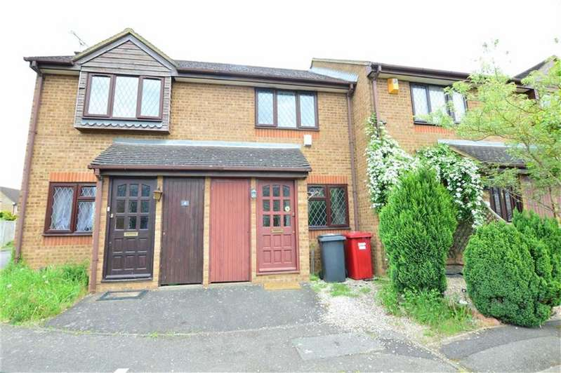 2 Bedrooms Terraced House for sale in Langton Close, Slough, Berkshire