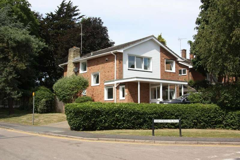 4 Bedrooms Detached House for sale in Shenfield Place, Shenfield, Brentwood, CM15