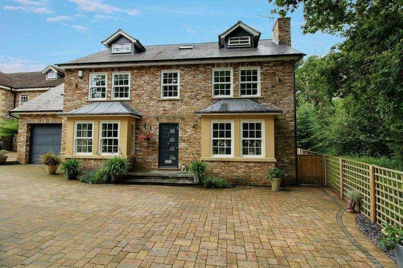 5 Bedrooms Detached House for sale in Cuffley Hill, Goffs Oak