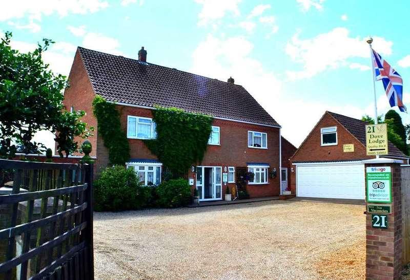 5 Bedrooms Detached House for sale in Woodside Avenue, Dersingham, King's Lynn
