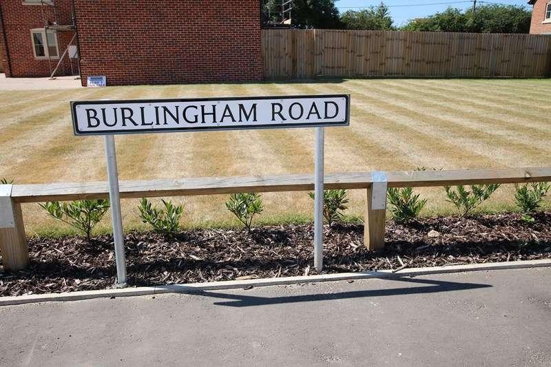 5 Bedrooms Detached House for sale in Burlingham Road, Attleborough