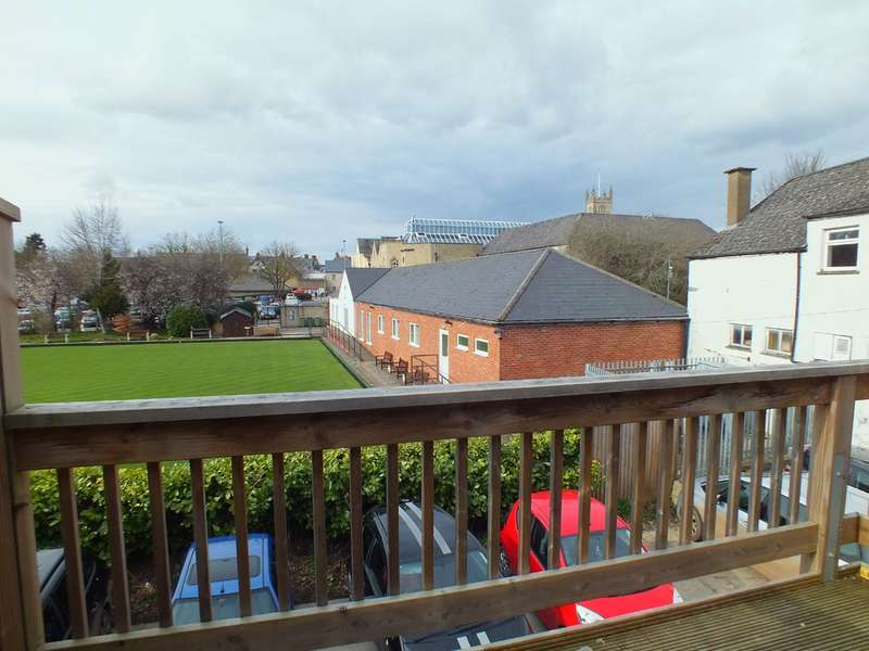 3 Bedrooms Flat for sale in Cirencester