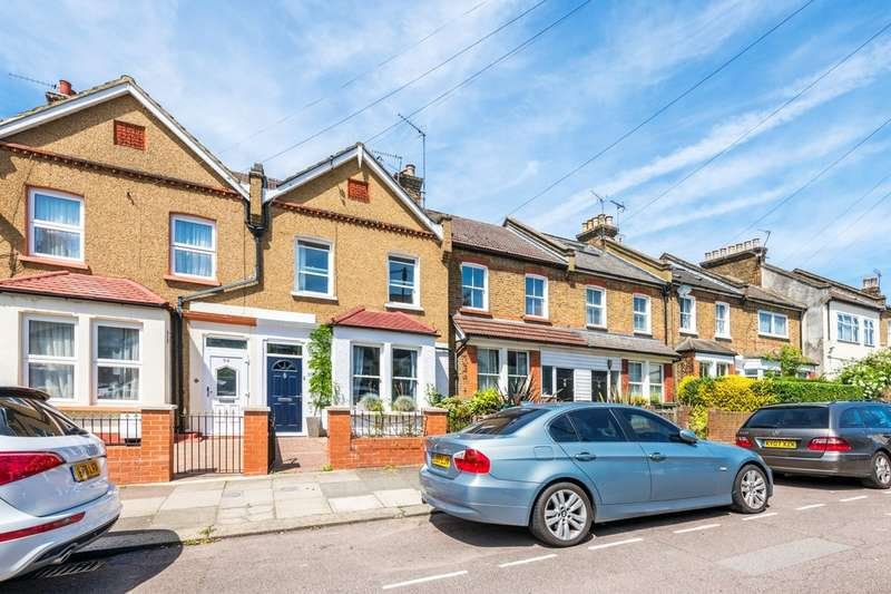 4 Bedrooms Terraced House for sale in Selborne Road, Alexandra Park, London