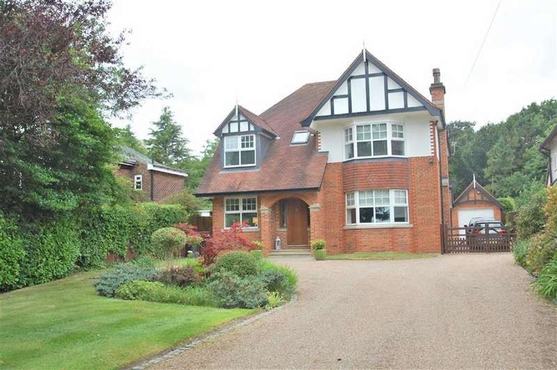 5 Bedrooms Detached House for sale in Wilmslow Road, Woodford, Cheshire