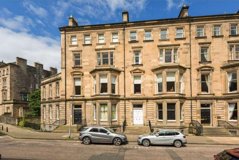 4 Bedrooms Flat for sale in 5 (flat 3) Rothesay Terrace, Edinburgh, EH3 7RY