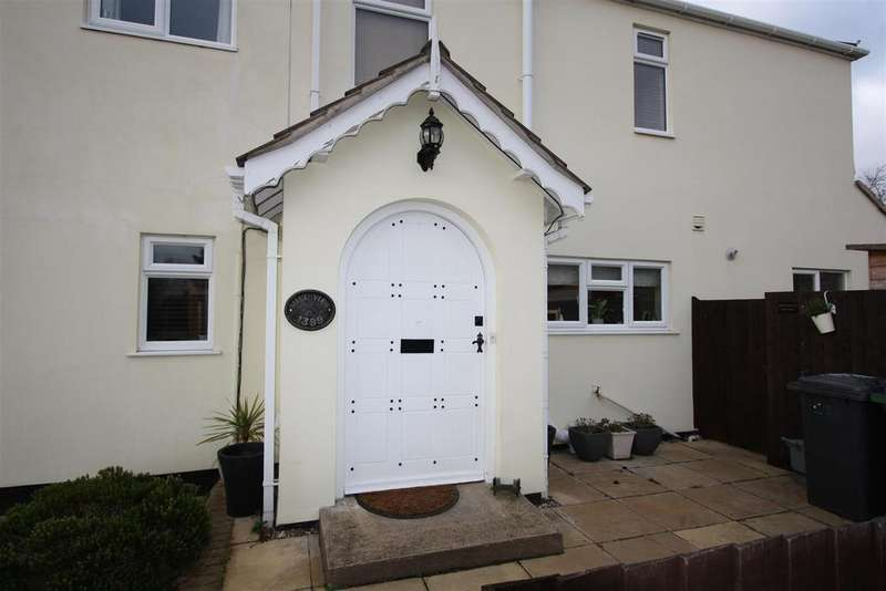 4 Bedrooms Detached House for sale in Lincoln Road, Werrington, Peterborough