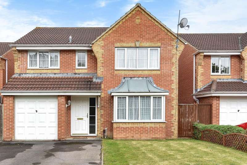 4 Bedrooms Detached House for sale in Paddick Drive, Lower Earley, RG6