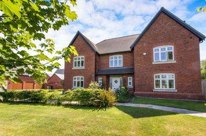 5 Bedrooms Detached House for sale in Meadowside, Smallwood, Sandbach, Cheshire