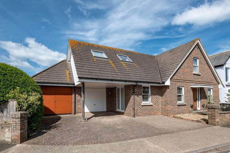 3 Bedrooms Detached House for sale in Yarmouth, Isle of Wight