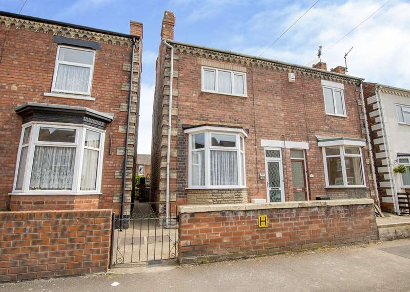 3 Bedrooms Semi Detached House for sale in George Street, Gainsborough, DN21