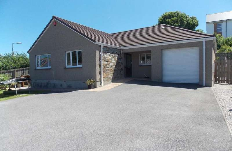 3 Bedrooms Property for sale in Barncoose, Redruth