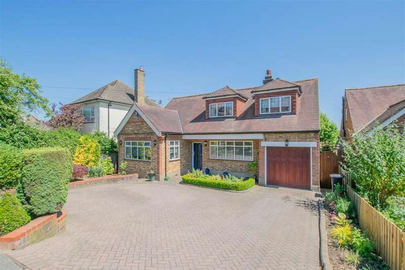 4 Bedrooms Detached House for sale in Baas Lane, Broxbourne