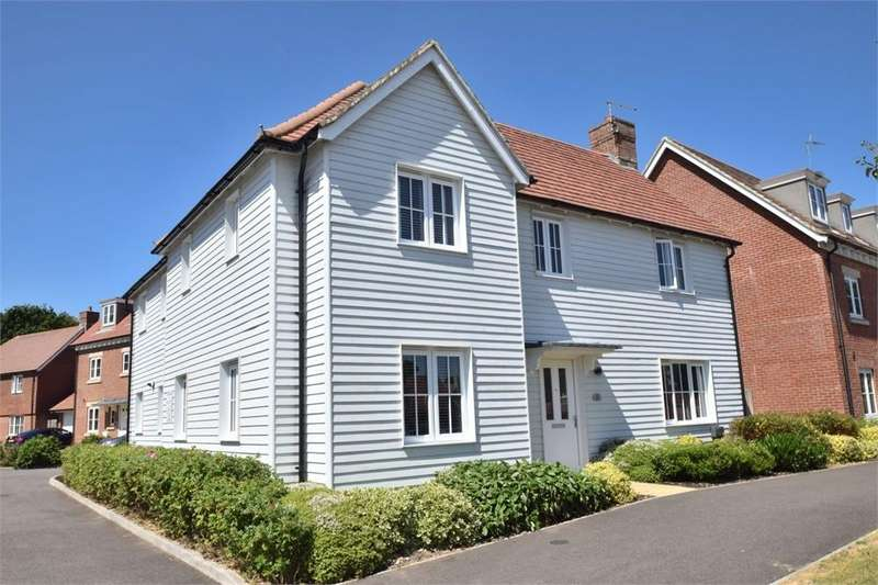 4 Bedrooms Detached House for sale in Clarence Court, Polegate, East Sussex
