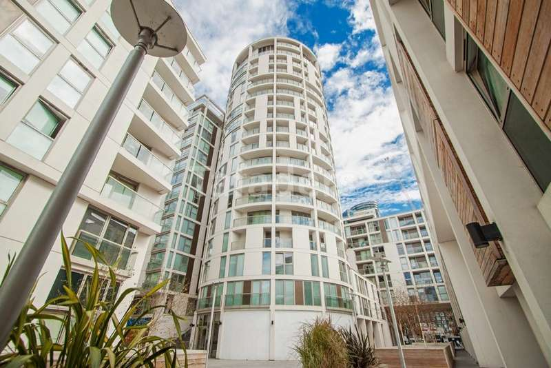 2 Bedrooms Flat for sale in Trinity Tower, Quadrant Walk, Canary Wharf, E14