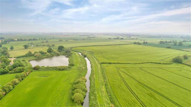 Land Commercial for sale in Norton Road, Stapleford, Lincolnshire