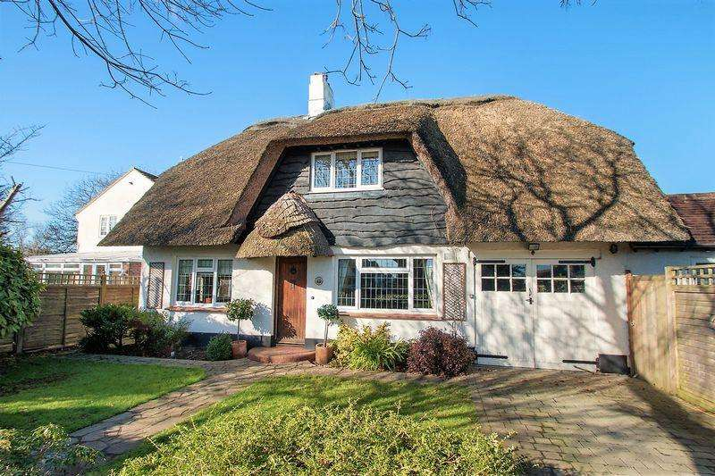 4 Bedrooms Detached House for sale in Wyke Lane North, The Roundle Estate, Felpham
