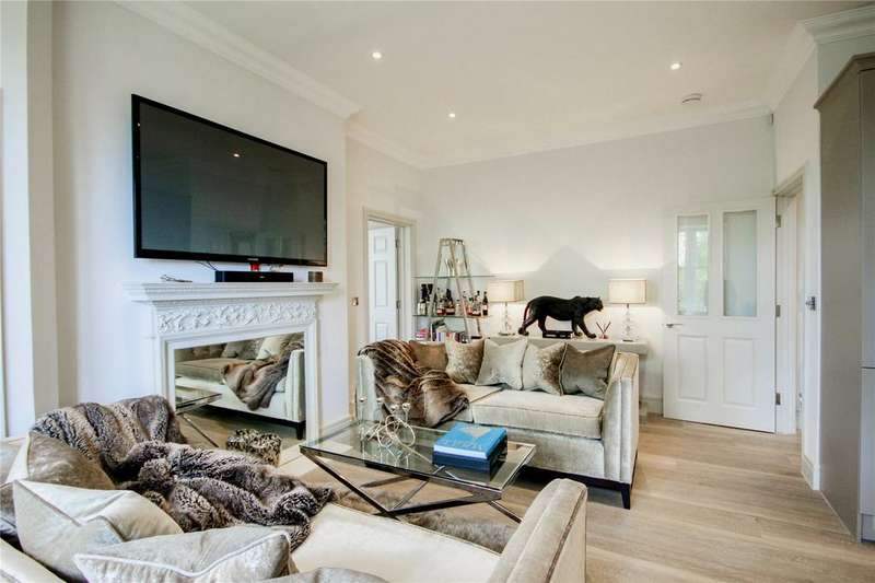 2 Bedrooms Apartment Flat for sale in Parkham Mead, Binfield, Berkshire, RG42