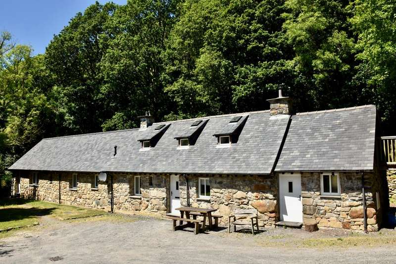 4 Bedrooms House for sale in Ty Nant, Llanelltyd, LL40