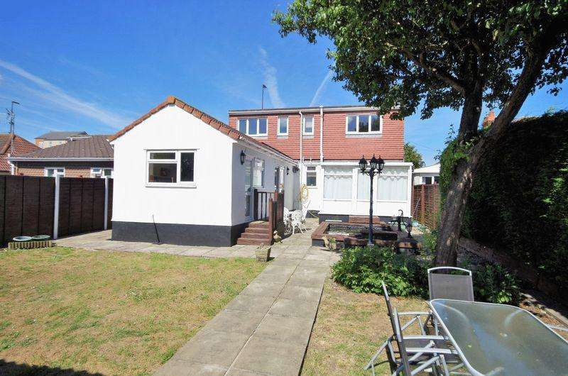 4 Bedrooms Detached House for sale in Gloucester Road, Patchway, Bristol