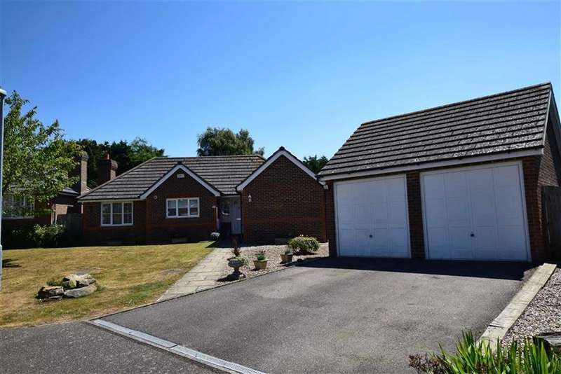 3 Bedrooms Detached Bungalow for sale in Rushmere Rise, St Leonards-on-sea, East Sussex
