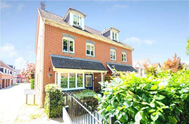 4 Bedrooms Semi Detached House for sale in Marlow Court, All Hallows Road, Caversham