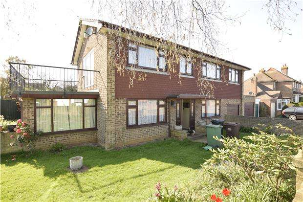 4 Bedrooms Detached House for sale in Pembury Grove, BEXHILL-ON-SEA, East Sussex, TN39 4BX