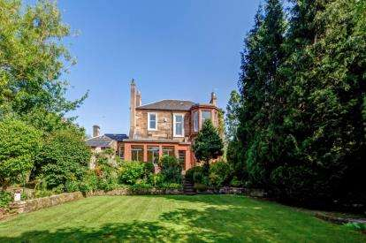 4 Bedrooms Detached House for sale in Auchingramont Road, Hamilton