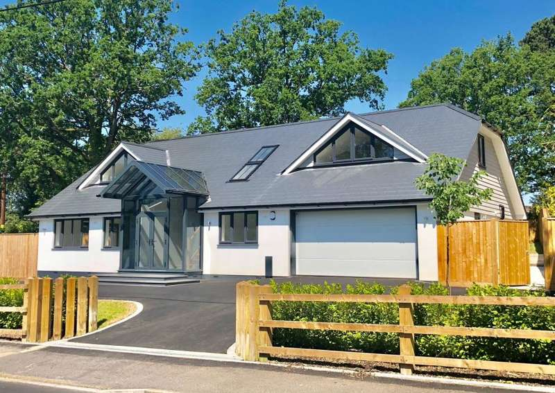 5 Bedrooms Detached House for sale in Dudsbury Road, West Parley, BH22 8RE
