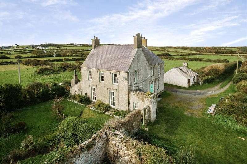 5 Bedrooms Detached House for sale in Rhoscolyn, Holyhead, Gwynedd