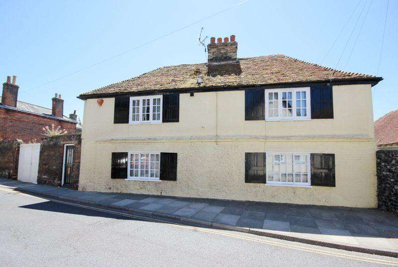 3 Bedrooms Detached House for sale in Sandwich