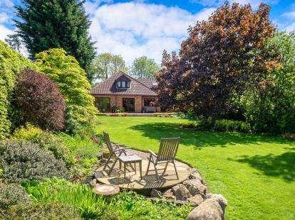 5 Bedrooms Detached House for sale in Ridge Lane, Radcliffe On Trent, Nottingham, Nottinghamshire