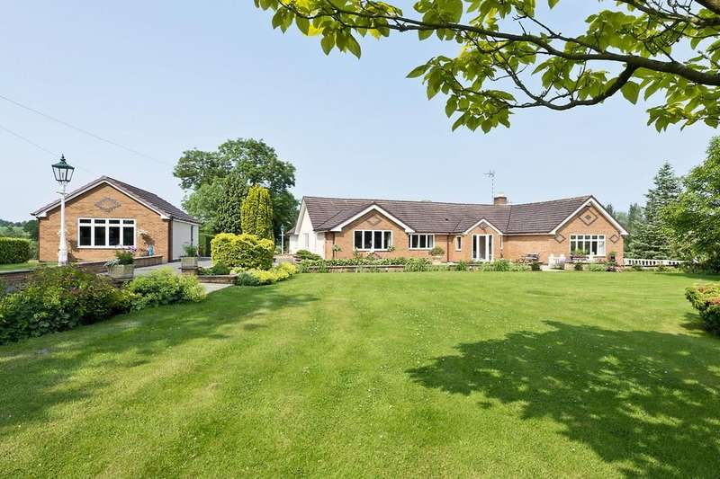 4 Bedrooms Detached Bungalow for sale in Tanworth Lane, Henley In Arden