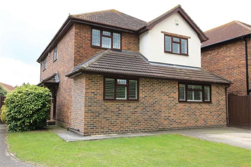 4 Bedrooms Detached House for sale in Prince William Avenue, CANVEY ISLAND, Essex