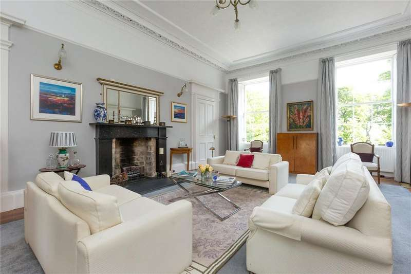 2 Bedrooms Flat for sale in 12.1 Carlton Terrace, New Town, Edinburgh, EH7