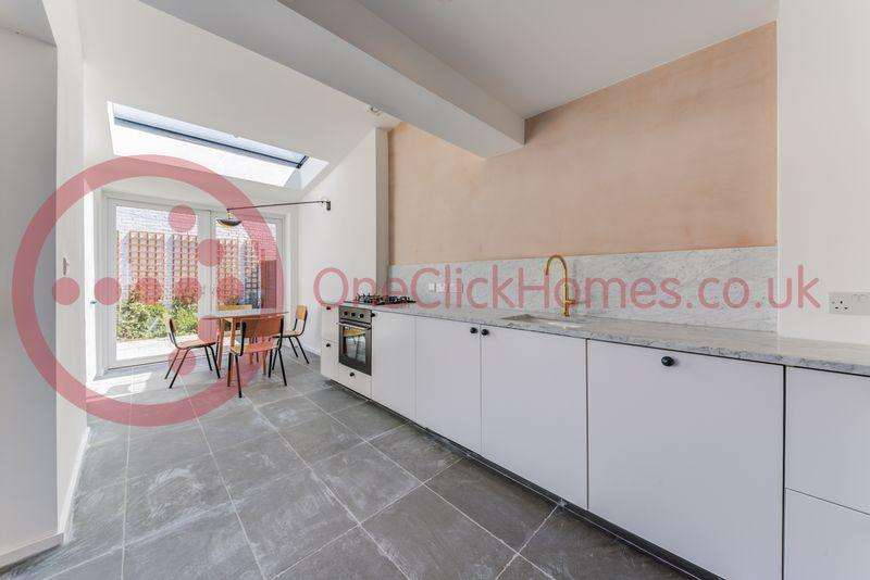 3 Bedrooms Terraced House for sale in Matcham Road, Leytonstone E11 3LA